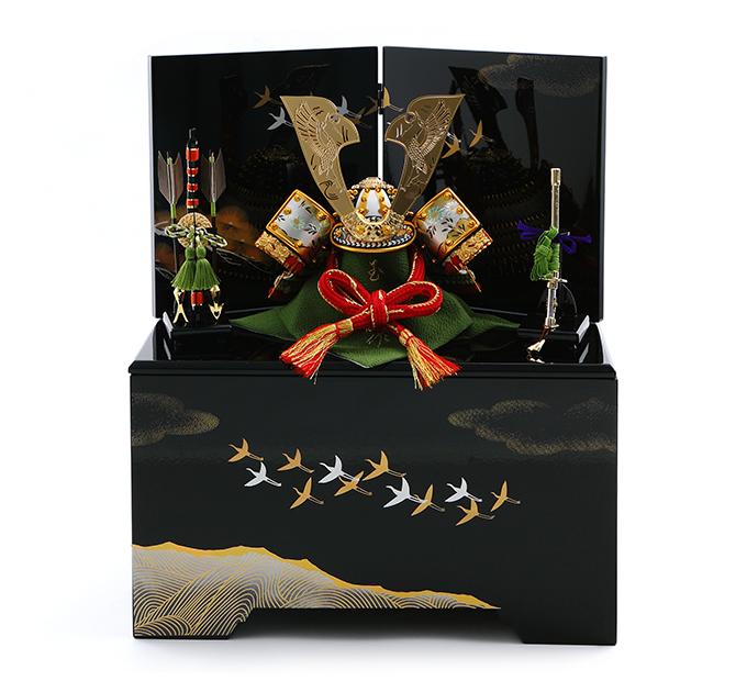 透彫瑞鳥鶴鍬形の兜 (収納タイプ)